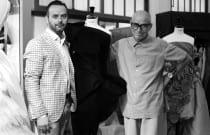 Fran-Tochena,-Maestro-Mayor-del-Gremio-de-Sastres-y-Modistas-CV-con-el-Premio-Aguja-Brillante-2013,-Juan-Andrés-Mompó