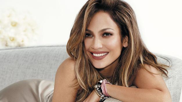 cuerpo-Jennifer-Lopez-Endless-Jewelry-coleccion_TINIMA20160310_0002_5