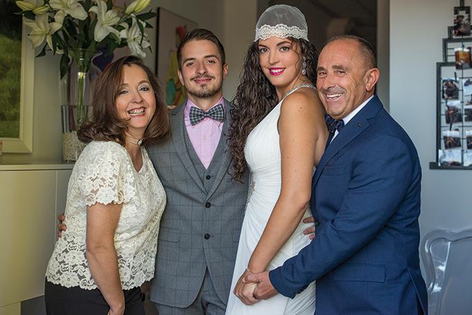 La-novia-posó-acompañada-de-su-familia