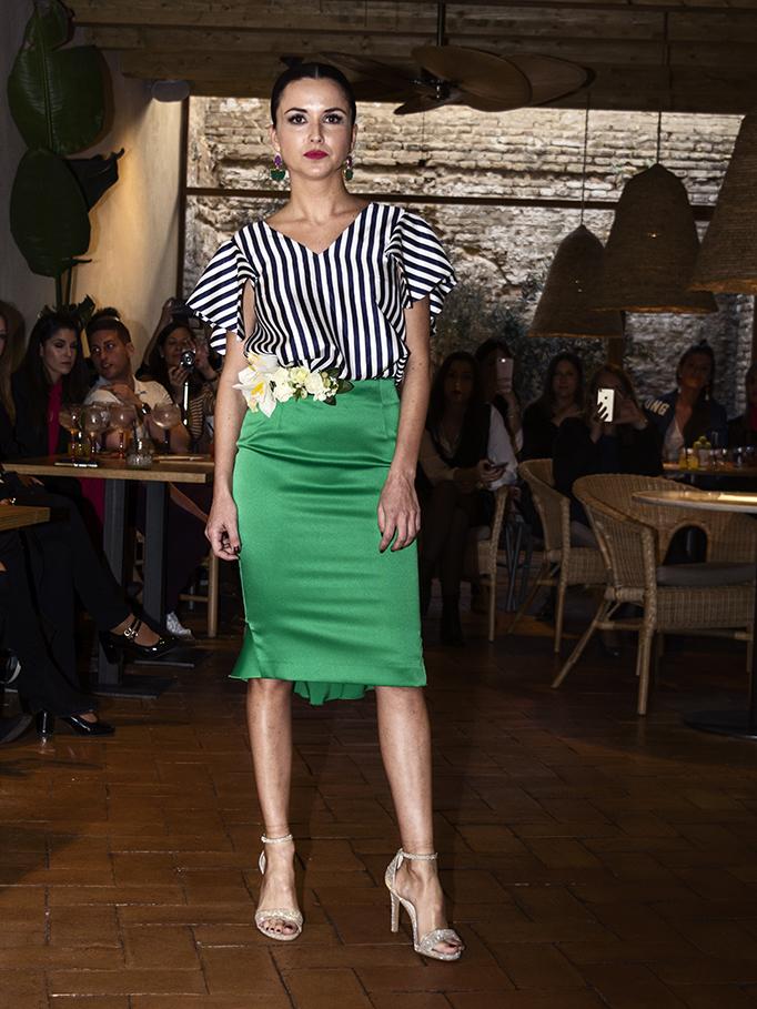 Conjunto de blusa y falsa estilo riviera