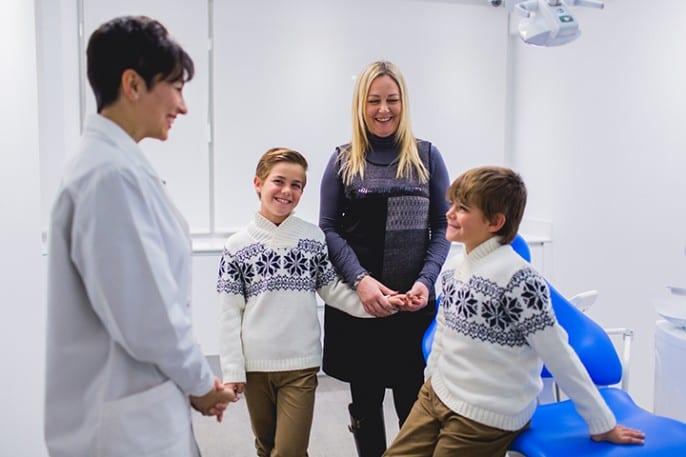 La Dra. Ana María González,  especialista en Ortodoncia,  aconseja una primera revisión a partir de los 6-7 años